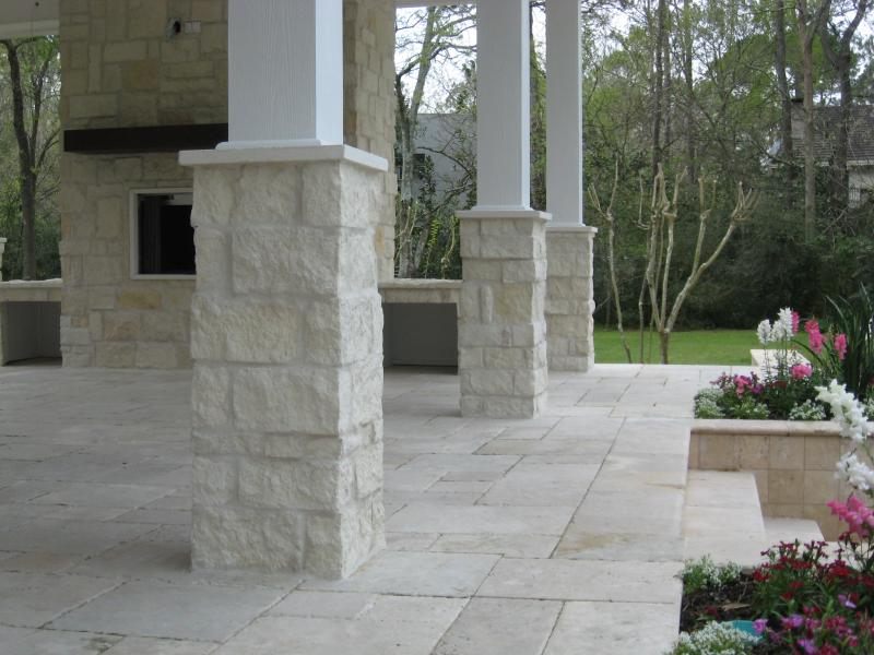 Cultured Stone Pillars : Perfect design patios accessories